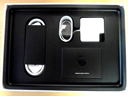 0-420-560-0-70-http-i.haymarket.net.au-galleries-20120614092149-retina-display-macbook-pro-2012-unboxing-accessories.jpg
