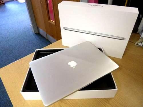 0-420-560-0-70-http-i.haymarket.net.au-galleries-20120614092153-retina-display-macbook-pro-2012-unboxing-overview.jpg